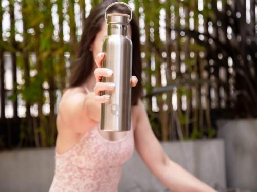 Purificador de agua Sobre mesada Dvigi Blanco + Botella térmica