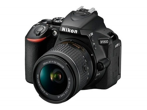 Camara Nikon D5600 Reflex Kit 18-55 Lcd Abatible 24,2 Mpx
