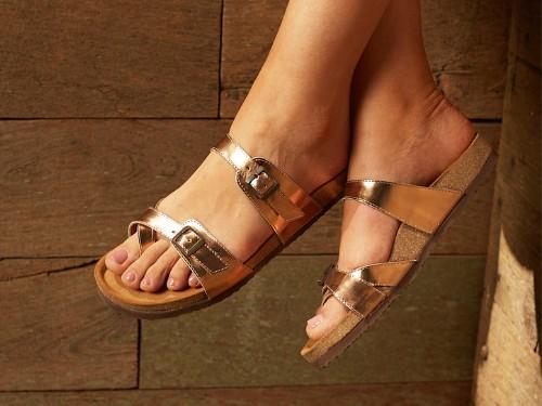 Chinela Mujer Cuero Briganti Zapato Sandalia Cobre Moda Verano Hebilla