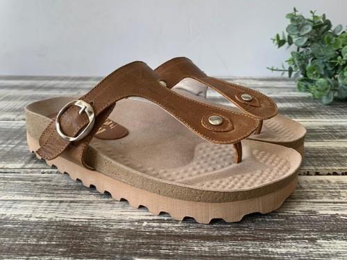 Zapato de mujer Sandalia tipo Ojota tipo birks en  cuero vacuno