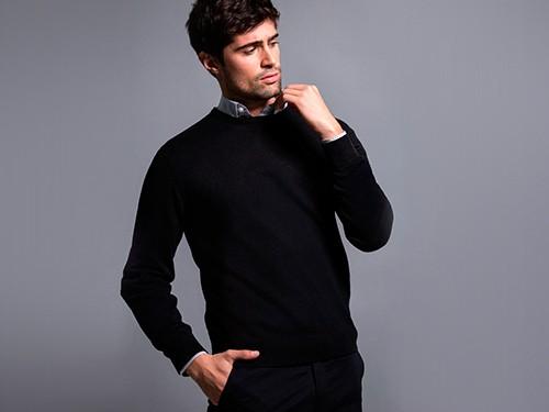 Sweater Liso de Escote Redondo