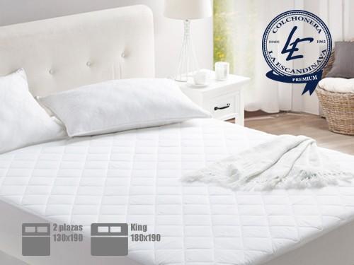 Colchón y Sommier + Respaldo + colcha + almohadas + cubre colchón