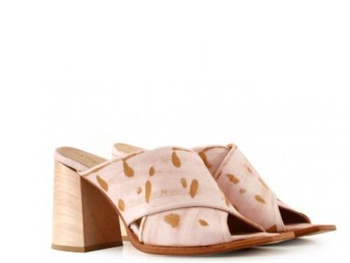Sandalias en cuero gastado rosa