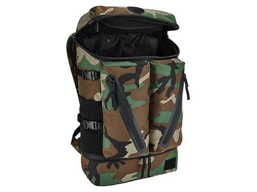 Mochila camuflada NIXON Modelo Scripps Backpack