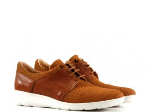 Zapatillas urbanas de cuero-tela en suela
