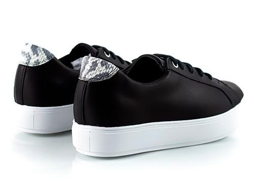 Zapatillas de mujer de cuero negro La Leopolda