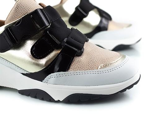 Zapatillas con elásticos beige y blanco Suki