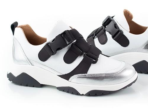 Zapatillas con elásticos blanco y plata Suki