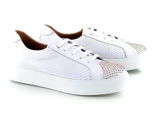 Zapatillas blancas grabadas tachitas Snatch